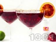 Рецепта Коктейл с водка, ликьор, нар и червен портокал